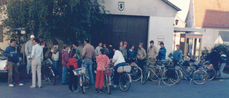 Sept. 1985:  Start vor dem damaligen Feuerwehrmagazin (heute Standort MaP)