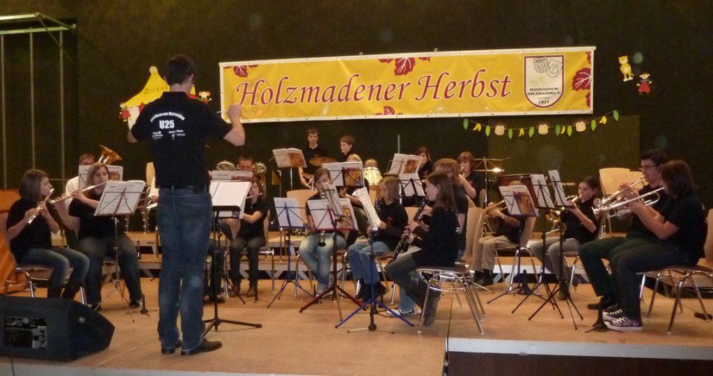 Auftritt der Jugend beim Holzmadener Herbst 2009